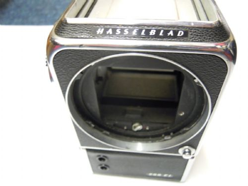 HASSELBLAD 205TCC MEDIUM FORMAT CAMERA WITH MAGAZINE AND WAISTE LEVEL FINDER